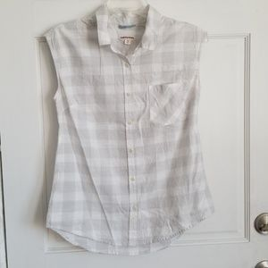 Sleeveless Grey X-Small Button-Down Shirt